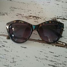Betsey Johnson Tortoise Sunglasses In great, like new condition! Really fun and quirky colored print to set you apart from everyone else, that's why I bought them! I do not have the case for them.  *No low balling please Betsey Johnson Accessories Sunglasses