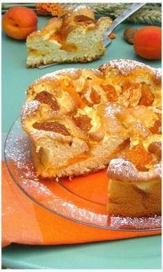 """ABRICOTIER,"""" Weight Watchers"""" :Un vrai bonheur ce gâteau avec ces petits abricots qui fondent en bouche .On retrouve une texture très aérée,je dirais presque mousseuse .Vous devez absolument l'essayer!"""