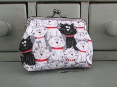 Cat purse, black and white cats, cat lovers gifts, kiss lock purse by Tresgats on Etsy