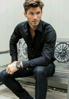 Black dress a pants/trouser, black shirt men's fashion menswear men&ap Stylish Men, Men Casual, Elegant Man, Sharp Dressed Man, Well Dressed Men, Gentleman Style, Haircuts For Men, Hairstyles Men, Classic Mens Hairstyles