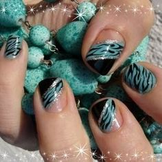 Easy Fashionable New Years 2013 Nail Art Designs To Master will turn your nails into real jewelries. Easy Fashionable New Years 2013 Nail Art Designs To Master are easy yet stylish. Zebra Nails, Teal Nails, New Year's Nails, Love Nails, Black Nails, Ombre Nail, Diy Ombre, Silver Nails, Black Polish