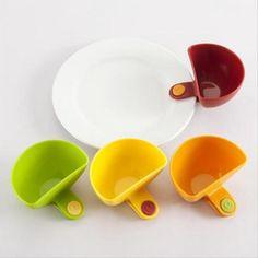 Clip on bowls for dip