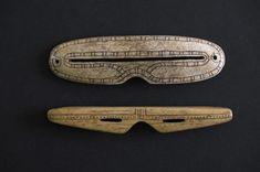 2 lunettes de neige (§) Inuit dans l'os de baleine - - INUIT / ALASKA (DETROIT…