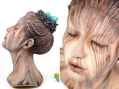 Christopher David faz esculturas de cerâmica que imitam madeira - Foto: Christopher David