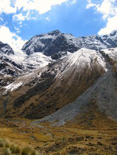 Mountains | Between Coroico and La Paz, Bolivia | Laura Froehlich #SDStateAbroad