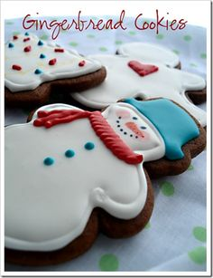 Gingerbread Cookies with Royal Icing | Doughmesstic