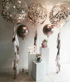 A copper theme for a special birthday with our rose gold balloons. Plinths… - How To Make Crazy PARTY Balloon Decorations, Wedding Decorations, 18th Birthday Party Ideas Decoration, 18th Birthday Decor, Balloon Banner, Decor Wedding, 18th Party Themes, 18th Birthday Dress, Glitter Party Decorations