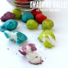 Smashing Balls Activity For Kids - This is a great activity to keep your kids busy for hours! #Kids #Activity