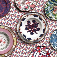 In what is seriously good news for print-loving interior aficionados around the world, Italian fashion label and e-commerce site La DoubleJ— best known for its bold prints and mix-and-match aesthetic — has just released a tableware collection. Image credit: Instagram.com/jjmartinmilan