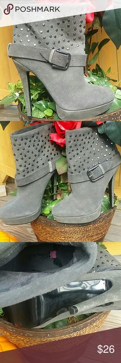 💑 BEAUTIFUL SUADE BOOTS! Penny❤Kenny! This is a pair of beautiful Grey genuine suede ankle booties, size 8. Amazing detail on the boots! All normal wear please see photos ask any questions!  5 inch heel and 1 inch platform as offset! Please make an offer! Penny loves Kenny  Shoes Ankle Boots & Booties