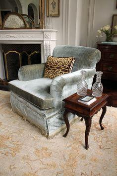 Atlanta Symphony Associates' Decorators' Show House & Gardens.  I want this chair in a sofa shape!!
