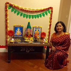 Saree and Pallu set for Varalakshmi Vratham! Gauri Decoration, Mandir Decoration, Thali Decoration Ideas, Ganpati Decoration At Home, Diwali Decorations At Home, Ganapati Decoration, Backdrop Decorations, Festival Decorations, Flower Decorations