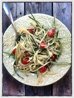 Easy how to make Raw Zucchini Pasta | A Grateful Life Blog