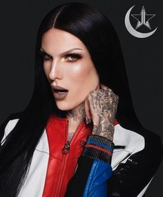 Ignore the fact that this is a collab with Manny Money-Grabbing MUA, just focus on jeffree Jeffree Star Snapchat, Jeffree Star Instagram, Glam Photoshoot, Velour Liquid Lipstick, Artists And Models, Linda Hallberg, Youtube Stars, Free Makeup, Makeup Shop