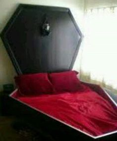 Coffin bed for a gothic room! Gothic Room, Gothic House, Gothic Bed, Gothic Mansion, Gothic Furniture, Cool Furniture, Design Furniture, Goth Home Decor, Creepy Home Decor