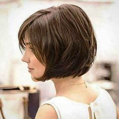 Short Bob Hairstyles have been in fashion in one form or another for decades. One can customize the Very Short Bob Hairstyles to match her personality. Very Short Bob Hairstyles, Stacked Bob Hairstyles, Short Layered Haircuts, Haircuts For Long Hair, Medium Hair Cuts, Short Hair Cuts, Pixie Cuts, Long Curls, Short Hair With Layers