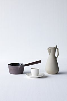 thisispaper:    Ceramic Paint by Kirstie van Noort