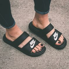 NIKE Women's Shoes - PRODUCT DETAILS Get a lightweight, secure fit with these womens Nike slide sandals. SHOE DETAILS Dual strap upper Carved-out outsole for a light feel EVA drop- - Find deals and best selling products for Nike Shoes for Women Nike Free 4.0, Nike Free Shoes, Nike Shoes Outlet, Running Shoes Nike, Mens Running, Running Style, Running Sneakers, Dr Shoes, Cute Shoes