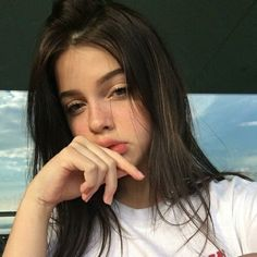 Uploaded by raquel beltran. Find images and videos about girl, beautiful and pretty on We Heart It - the app to get lost in what you love. Selfie Poses, Photographie Portrait Inspiration, Western Girl, Girls Selfies, Tumblr Girls, Ulzzang Girl, Aesthetic Girl, Girl Photography, Pretty Face