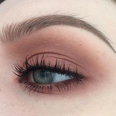 """""""Mi piace"""": 141, commenti: 7 - Ella Dürkop (@ellamaried_makeup) su Instagram: """"Makeup for work the other day #maccosmetics - eyeshadows in mythical, brown script, coppering,…"""""""