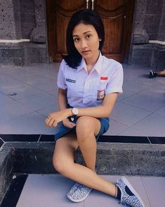 Pelajar KekinianさんはInstagramを利用しています:「Jangan lupa follow @sma_indocantik  ______________________________________  #smshot # smasexy #smahits #sma #smamontok #smahots  #sma…」 Japanese School Uniform Girl, School Girl Dress, School Dresses, Cute Asian Girls, Beautiful Asian Girls, Cute Girls, School Uniform Outfits, Burmese Girls, Indonesian Girls