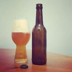 Probeflasche Fugbaum. Schmalhans  #session #ipa #indiapaleale #sessionipa #craftbeer #craftbier #kiel #fugbaum #arschschnell #instabeer #beerstagram #beerporn #beerlove #beergeek #beernerd #craftbeerkiel #craftbeerlife #beer #bier #cheers #prost
