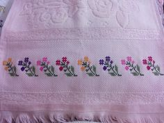 This Pin was discovered by swa Mini Cross Stitch, Cross Stitch Needles, Cross Stitch Rose, Cross Stitch Borders, Cross Stitch Flowers, Cross Stitch Designs, Cross Stitch Embroidery, Cross Stitch Patterns, Diy Embroidery Patterns