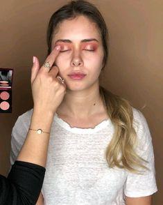 Huda Beauty Makeup, Makeup Tips, Liver Detoxification, Expressions, Eyeshadows, Aromatherapy, Makeup Looks, Make Up, Beautiful