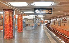 ღღ Berlin, Germany ~ U-Bahnhof Fehrbelliner Platz - Leerer Bahnhof von Ernst Thunert