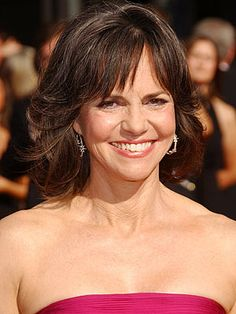 Mother of the bride hair long curls (Sally Field) groom Hairstyles Mother Of The Groom Hairstyles, Mother Of The Bride Hair, Unique Wedding Hairstyles, Bride Hairstyles, Elegant Wedding Hair, Long Curls, Sally Fields, Long Faces, Curly Hair Styles