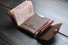 Compact men's wallet Brown wallet for men Leather wallet Diy Mini Wallet, Wallet With Coin Pocket, Small Wallet, Diy Wallet Pattern, Leather Money Clip Wallet, Minimalist Leather Wallet, Leather Bag Pattern, Brown Wallet, Leather Projects