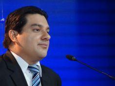 """""""Nadie daba un cinco por Luis Guillermo, yo puedo ganar"""", dice Sergio Mena"""