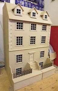 Dolls House scale Georgian 8 room Town House Kits by DHD Large Dolls House, My Doll House, Miniature Furniture, Dollhouse Furniture, Jm Barrie, Wooden Dollhouse, Dollhouse Ideas, Dollhouse Miniatures, Basement House