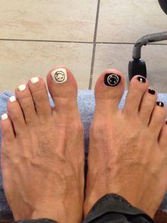 Happy/Sad Men Nail Polish, Toe Polish, Mens Nails, Male Feet, Pretty Toes, Toenails, Toe Rings, Manicure And Pedicure, Sexy Feet