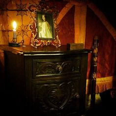 Mesa de cabeceira em carvalho estilo D.João V do Séc.XVIII.