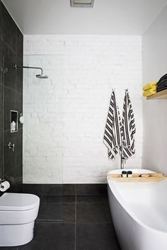 layout - open shower and free standing bath