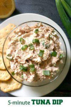 A super easy tuna dip recipe with cream cheese and spring onions. It's ready in less than 5 minutes, can can be served either with crackers, or as a spread with crostini or a simple toast. Quick, tasty, perfect for a hungry crowd. Pate Recipes, Dip Recipes, Seafood Recipes, Cooking Recipes, Zoodle Recipes, Crockpot Recipes, Healthy Tuna Recipes, Canned Tuna Recipes, Healthy Food