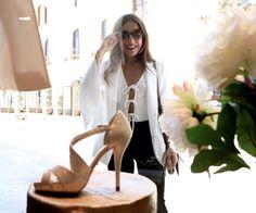 Paula Ordovas visita La Roca Village en busca de sus zapatos favoritos.