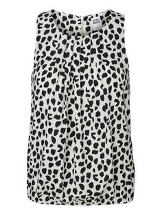 Animal printed top from VERO MODA. Bring out your wild side! #veromoda #animal #print #fashion