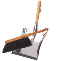 Bürstenhaus Redecker Dust Pan and Brush Set, Horse Hair. Plastic free and sleek looking dust pan and brush set. Dustpans And Brushes, Tools For Sale, Practical Gifts, Romantic Gifts, Horse Hair, Brush Set, Zero Waste, House Warming, Things To Sell