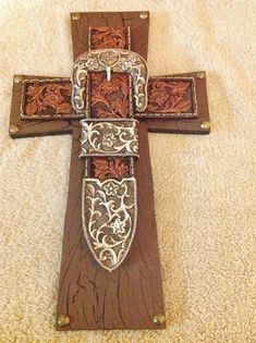 Western Belt Buckle Cross from TheCrossedCupcake on Etsy. Shop more products from TheCrossedCupcake on Etsy on Wanelo. Wooden Crosses, Crosses Decor, Wall Crosses, Decorative Crosses, Painted Crosses, Mosaic Crosses, Western Crafts, Country Crafts, Western Decor