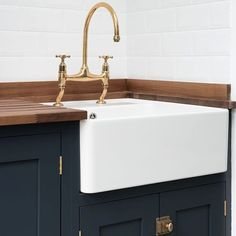 For kitchen without wood top, use wood under window? Our gorgeous aged brass tap in the Balham project utility room - Belfast sink and classic tap detailing. Devol Shaker Kitchen, Devol Kitchens, Kitchen Taps, Kitchen Cabinet Design, Kitchen Redo, Kitchen Countertops, Kitchen Interior, New Kitchen, Kitchen Ideas