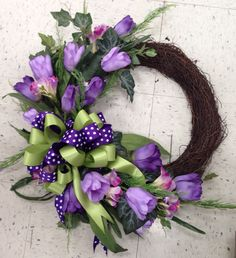 Spring wreath with tulips in lavenders and green. 2016. Laura A. Michaels Tulsa (3864)