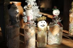 Nowadays handmade Christmas crafts are so popular because of the popularity of the recycling materials. Cheap, creative and Green diy upcycled bottle ideas Diy Upcycled Bottles, Recycled Glass Bottles, Empty Bottles, Small Bottles, Handmade Christmas Crafts, Christmas Diy, Christmas Decorations, Christmas Snowman, Crafts To Make