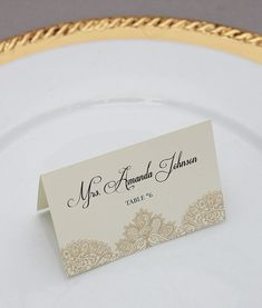 DIY pearls and lace place cards from #DownloadandPrint. Use for a #wedding or event. http://www.downloadandprint.com/templates/pearls-lace-place-cards-template/
