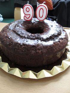 Bizcocho grande de chocolate. Ver la receta http://www.mis-recetas.org/recetas/show/39530-bizcocho-grande-de-chocolate