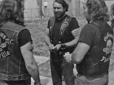 Biker Clubs, Motorcycle Clubs, Mc Ride, Outlaws Motorcycle Club, Teddy Boys, Biker Style, Black N White, Old School, Couple Photos