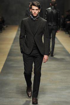 Hermès Fall 2012... love the ascot/ day cravat