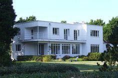 Tregannick near Penzance designed by Geoffrey Bazeley in 1935