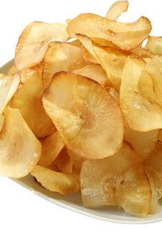 Yuca Chips are Yummy! - The Culinary Exchange Yuca Recipes, Cooking Recipes, Yucca Fries, Fried Chips, Healthy Chips, Quick Healthy Meals, Recipes, Appetizer Recipes